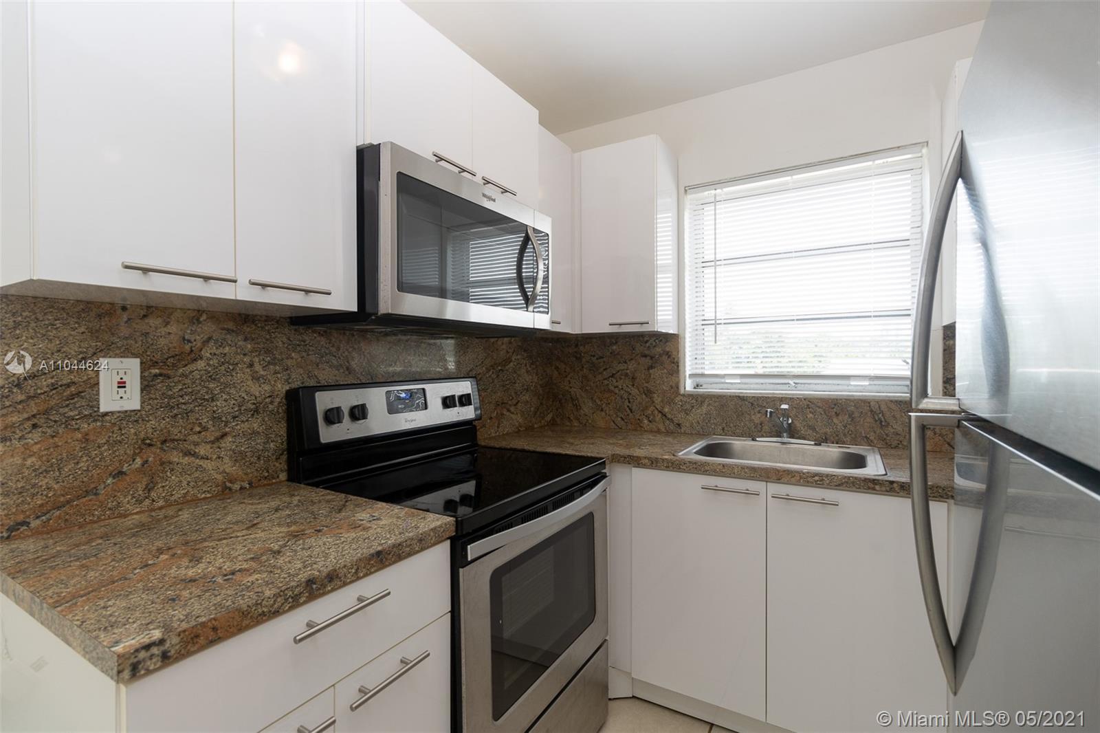 2435  Van Buren St #1B For Sale A11044624, FL