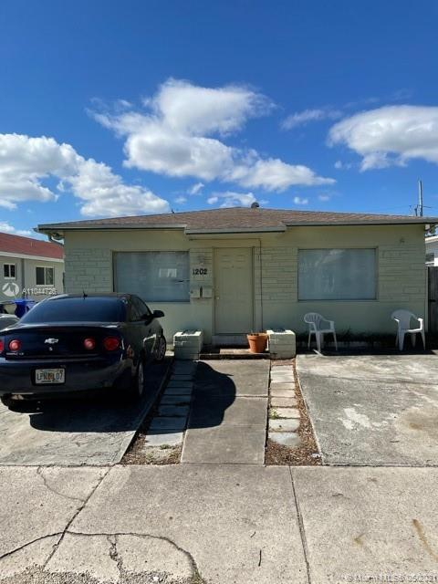 1202 N 16th Ct  For Sale A11044726, FL