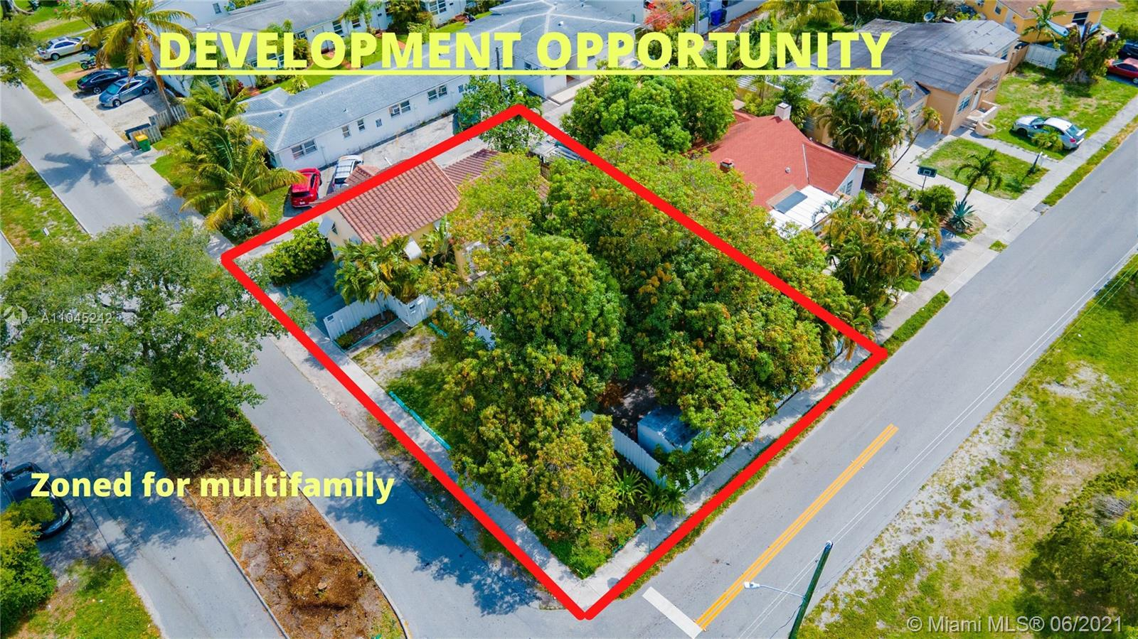 1725  Hayes St  For Sale A11045242, FL