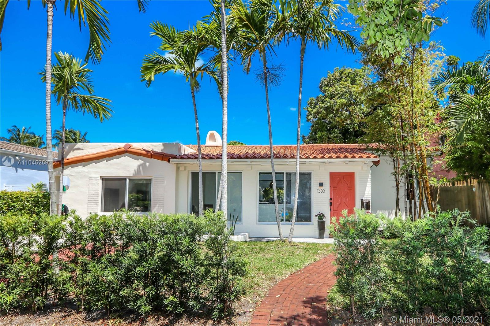 1535  Bay Dr  For Sale A11045259, FL