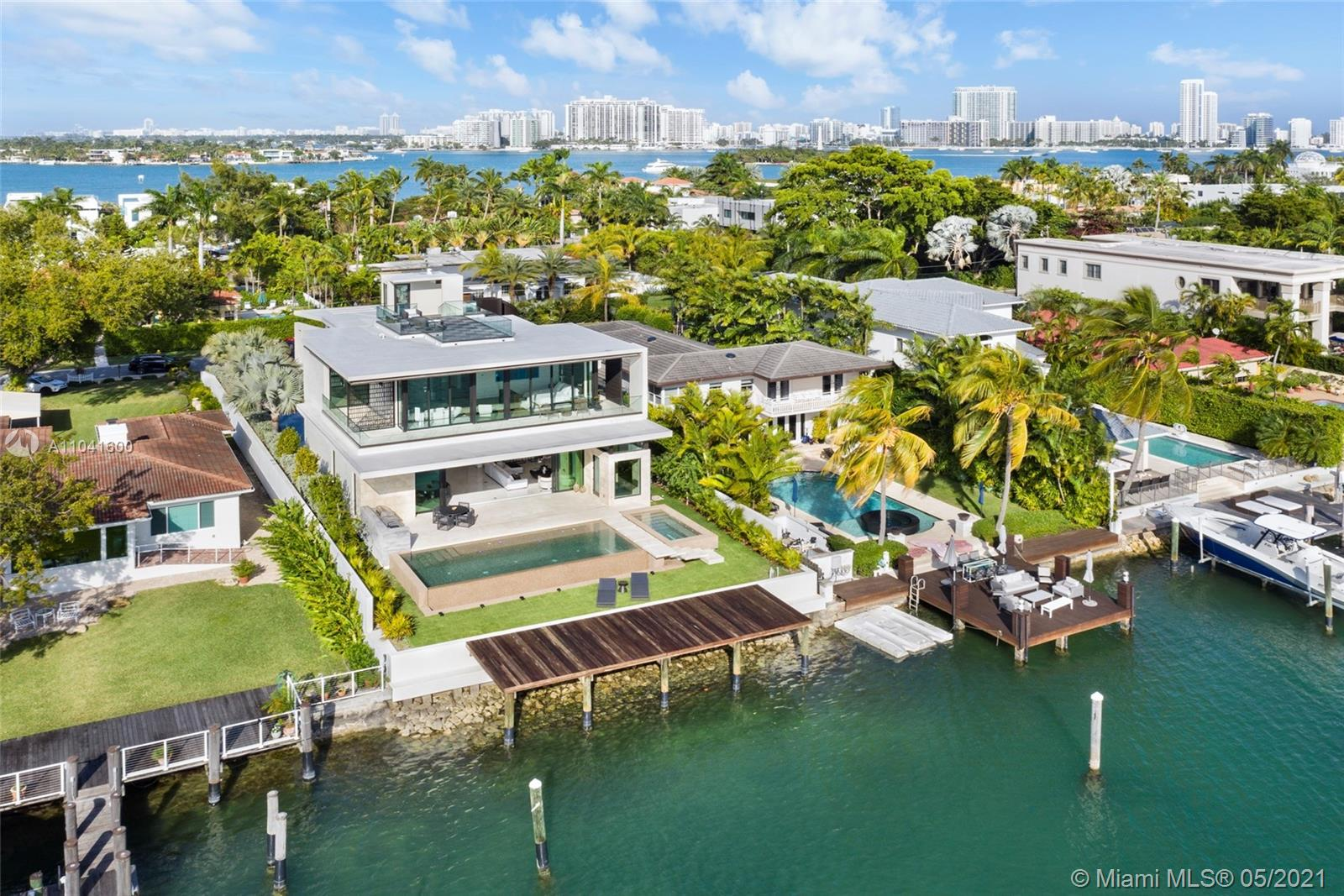 160 S Hibiscus Dr  For Sale A11041600, FL
