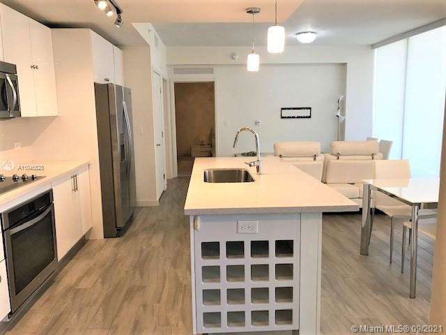 2/1 furnished unit with city, pool and water views. SS appliances, quartz tops. Above Mary Brickell Village center. Full size washer/dryer in unit. Amenities include Pool with pavilions, Cabanas, BBQ grills, Fitness center, Child's play room, Yoga, Zen Garden, Billiards, Valet, Security. Walk to restaurants, bars and shopping. CASH only.        Driving Directions: