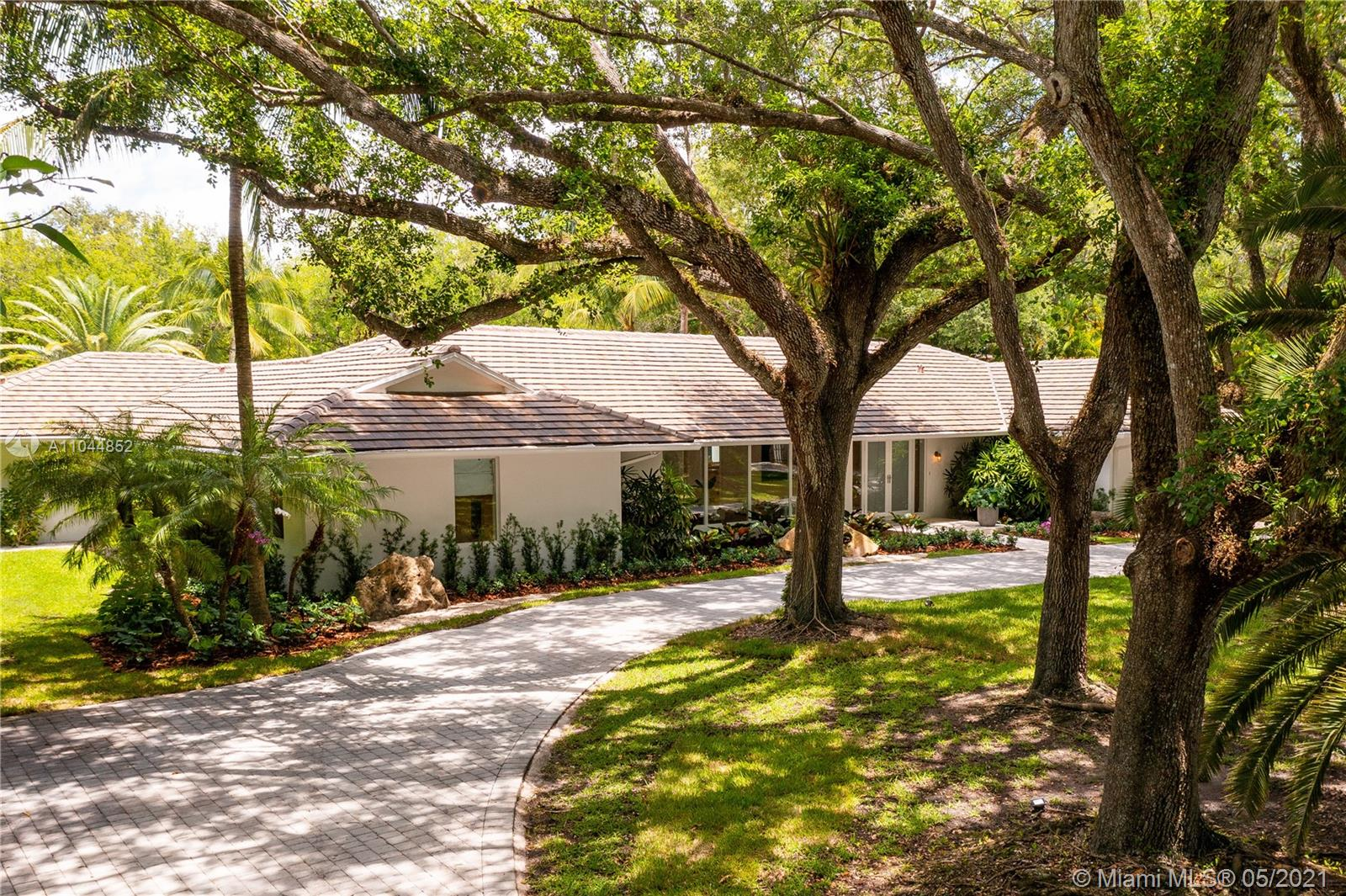 5851 SW 94th St  For Sale A11044852, FL