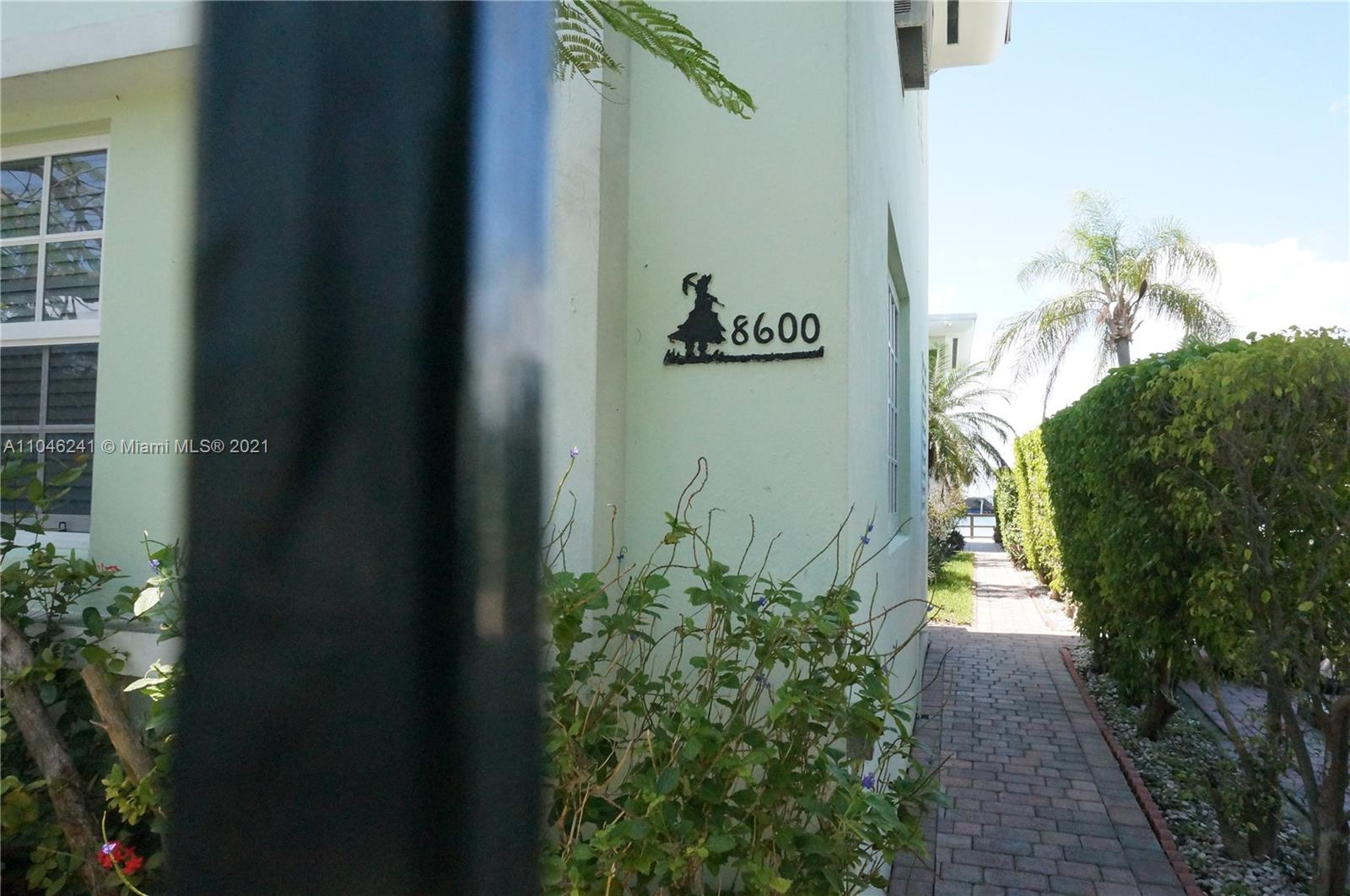 8600  Byron Ave #4 For Sale A11046241, FL