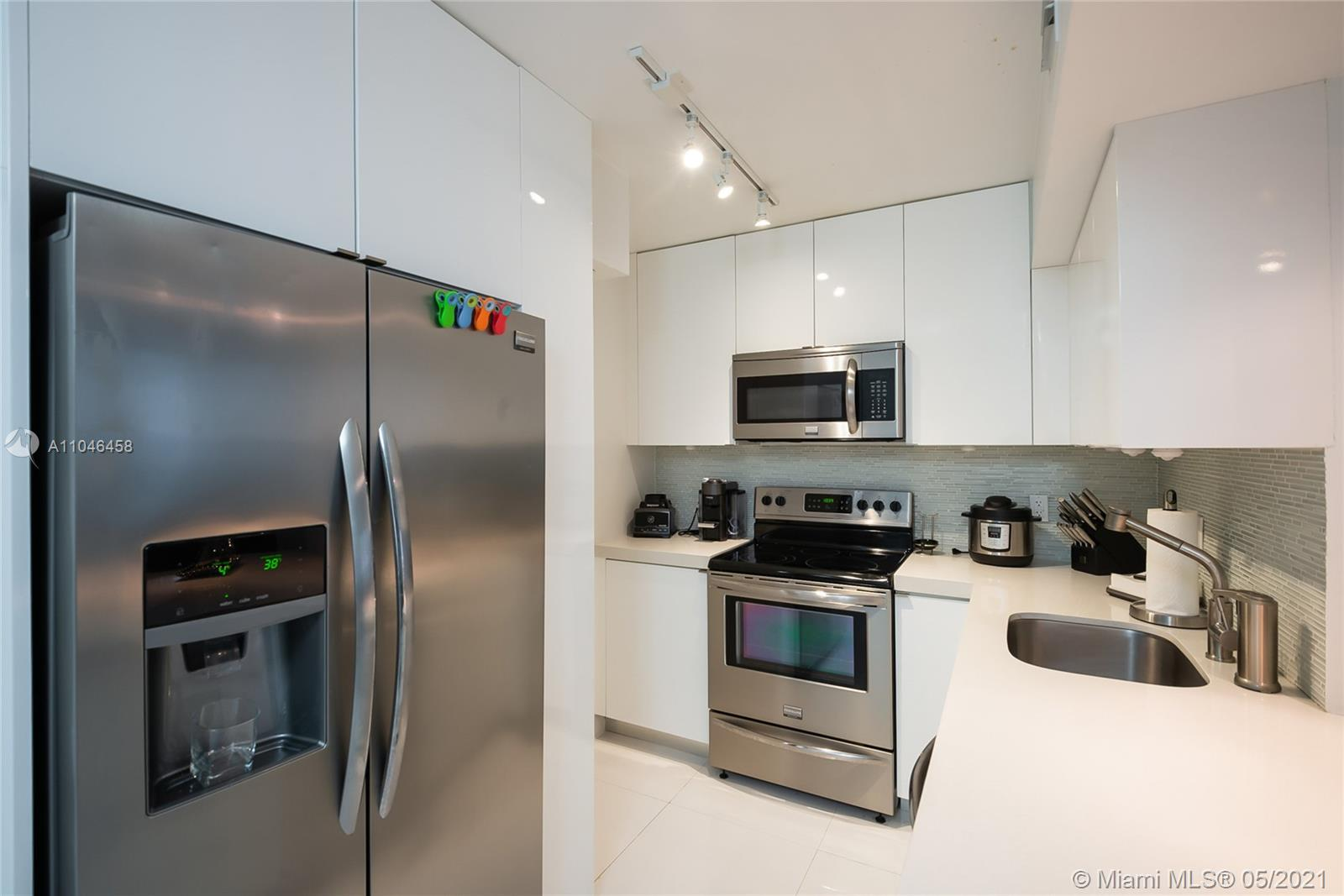 COMPLETELY REMODELED 1 BEDROOM AND 1 BATHROOM WITH BAY VIEW. Full Amenity Building on South Beach. Amenities Include 24 Hour Security, Concierge, Convenience Store, & Spa. Maintenance Includes Hot Water, Cable, Internet and Waterfront Fitness Center. Walking Distance Whole Foods, Restaurants, Walgreens, Lincoln Road, and the Beach. Within 15 minutes of Downtown Miami, the Arts and Entertainment District, and Miami Intl. Airport.