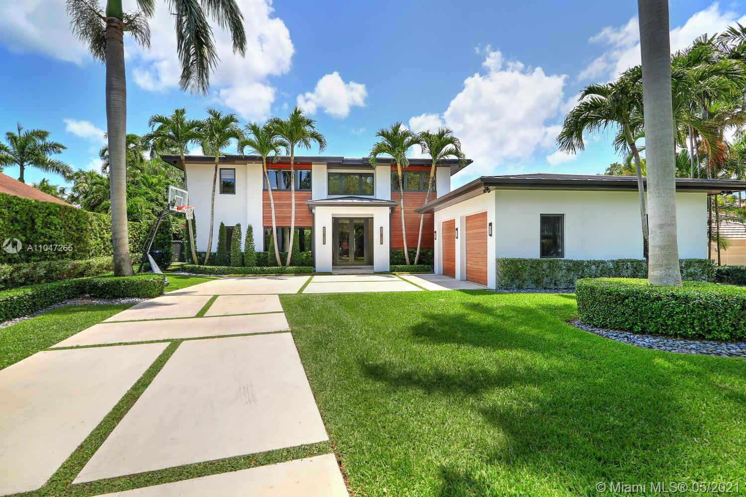 3440  Poinciana Ave  For Sale A11047265, FL