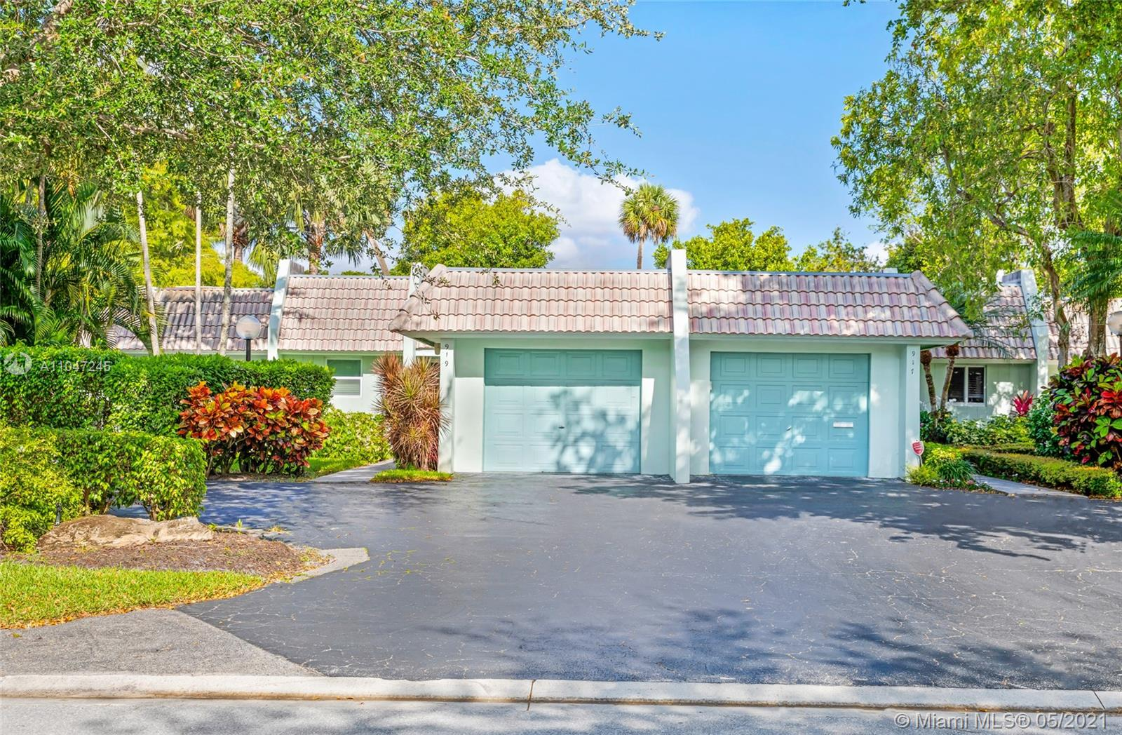 UNIQUE PATIO HOME IN PALM AIRE FOR SALE. 3 BEDROOM 3 FULL BATHS FULLY RENOVATED PROPERTY FEATURING A SPACOUS OPEN LAYOUT, CORNER UNIT, LAMINATE FLOOR, OPEN KITCHEN WITH QUARZ COUNTER TOP , SS APPLIANCES, , HIGH IMPACT WINDOWS THROUGHOUT THE HOUSE , ELECTRIC GENERATOR, OUTDOOR SPA. EXCELLENT COMMUNITY PETS FRIENDLY MAINTANCE INCLUDED, ROOF, WATER, TRASH REMOVAL, BASIC CABLE, PEST CONTROL, SECURITY PATROL. ASSOC REQUIRED 20% DOWN PAYMENT.MINIMUM CREDIT SCORE OF 700 OR HIGHER. PROSPECTIVE SELLER MUST SEND AS-IS OFFER WITH DU LETTER (ASK MORTGAGE BROKER OR LOAN OFFICER FOR MORE DETAILS) PROPERTY MANAGEMENT OFFICE CAMPBELL.