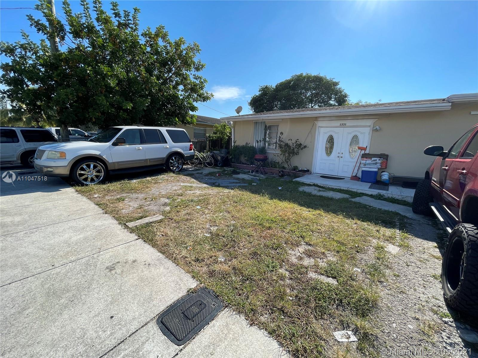 1331 SW 44th Ave  For Sale A11047518, FL