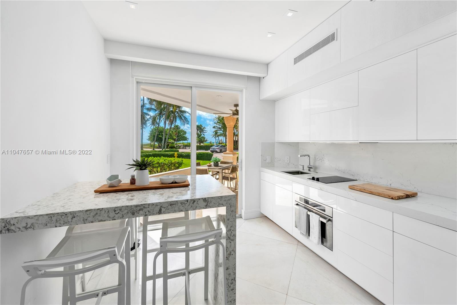 15512  Fisher Island Dr #15512 For Sale A11047657, FL