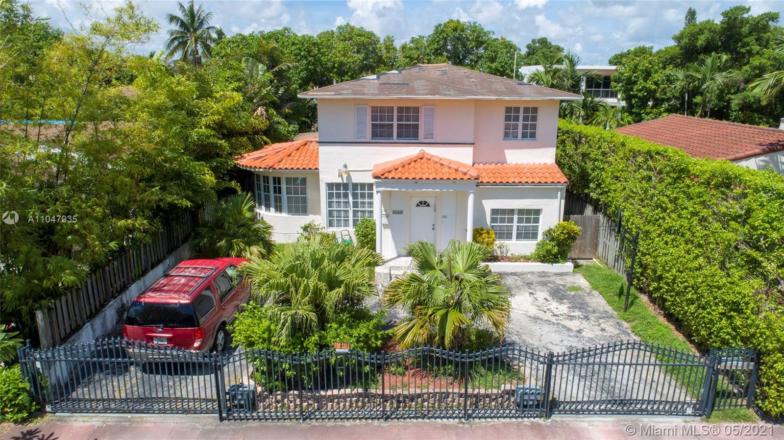 4560  Post Ave  For Sale A11047935, FL