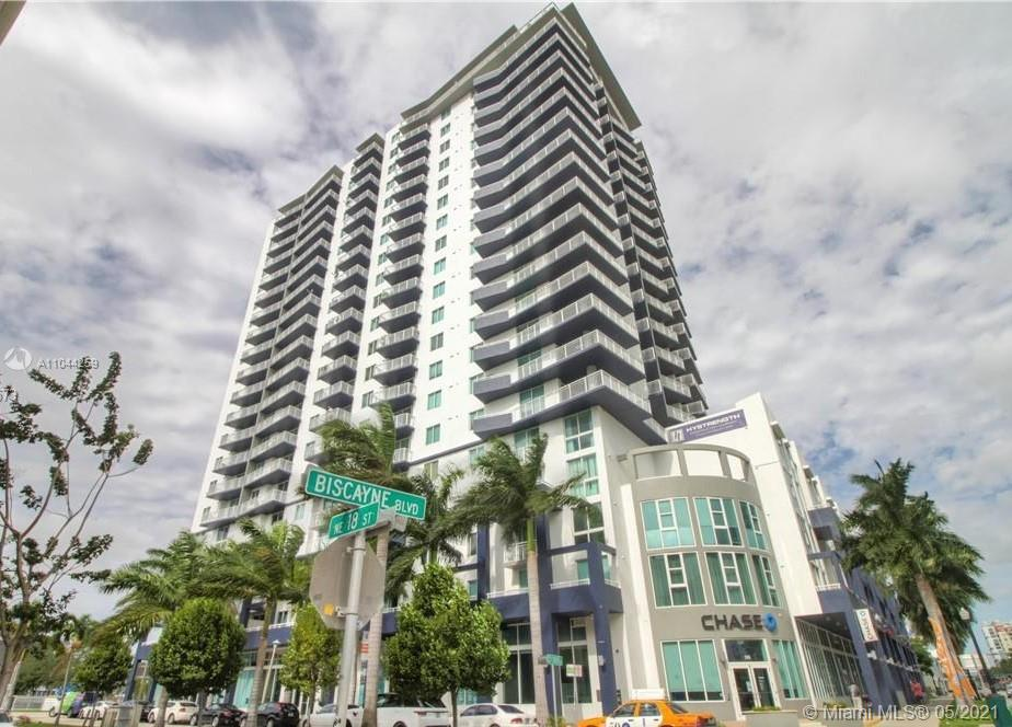 Spectacular 2 Bed / 2 Bath Ready to move in with Open Balconies. Live close to everything in the heart of Miami, walking distance to the new a Carnival Center, American Airlines Arena, Bayside . Concierge, 24 hours security, renovated GYM, pool, party room, and assigned covered parking. Publix supermarket across the main entrance. Price not negotiable.