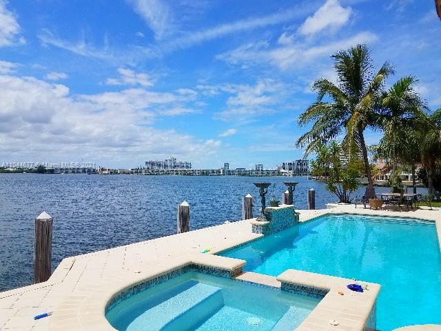 16479 30th Ave, North Miami Beach, Florida 33160