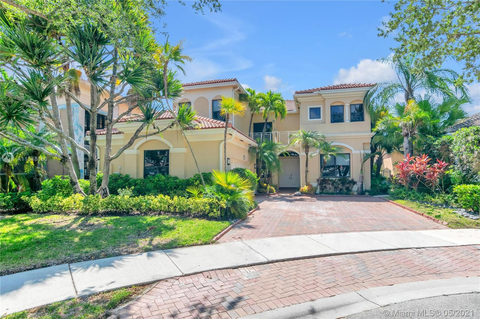 19423  Presidential Way  For Sale A11048160, FL