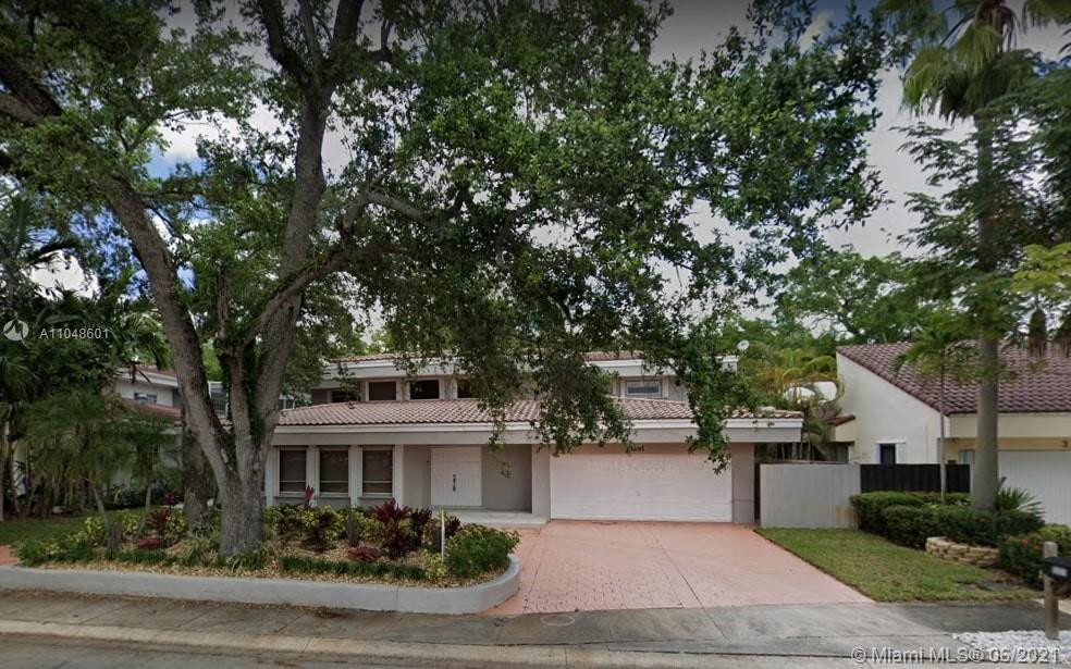 3251 N 37th St  For Sale A11048601, FL
