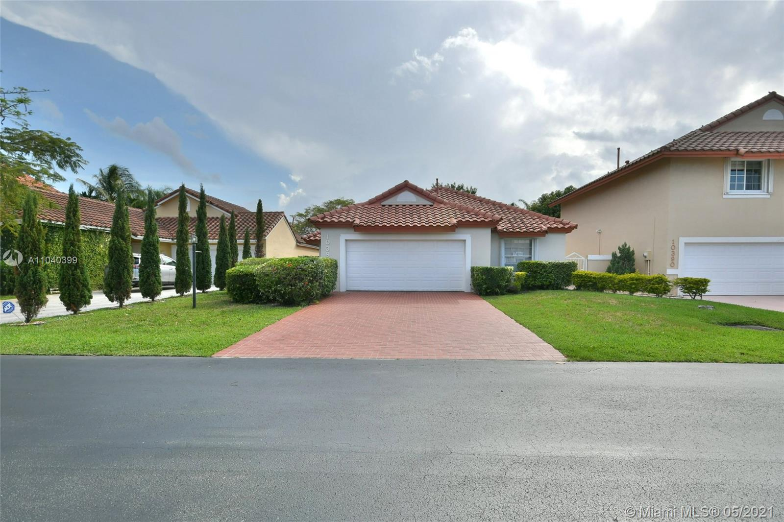 10380 NW 46th St  For Sale A11040399, FL