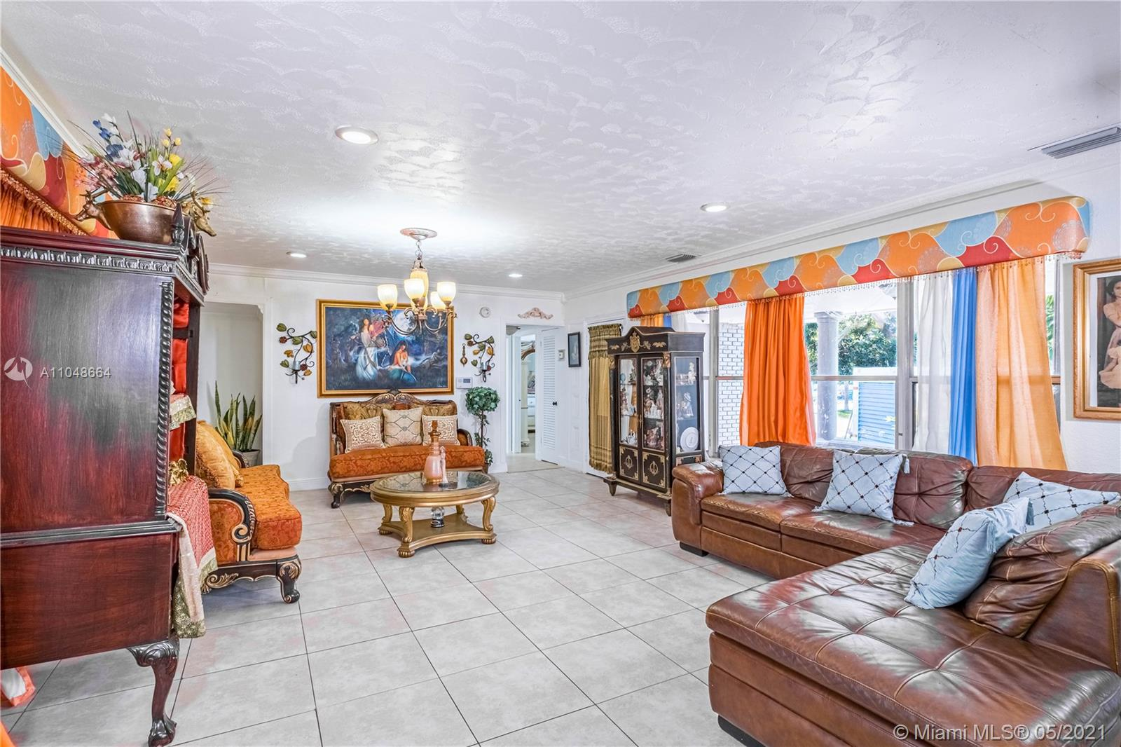 8261 N Bayshore Dr  For Sale A11048664, FL