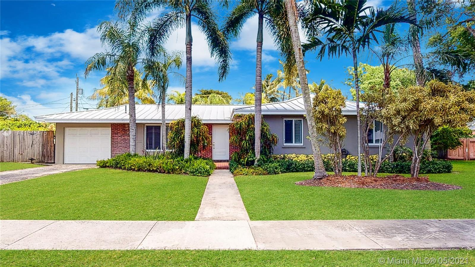 15211 SW 86th Ave  For Sale A11048475, FL
