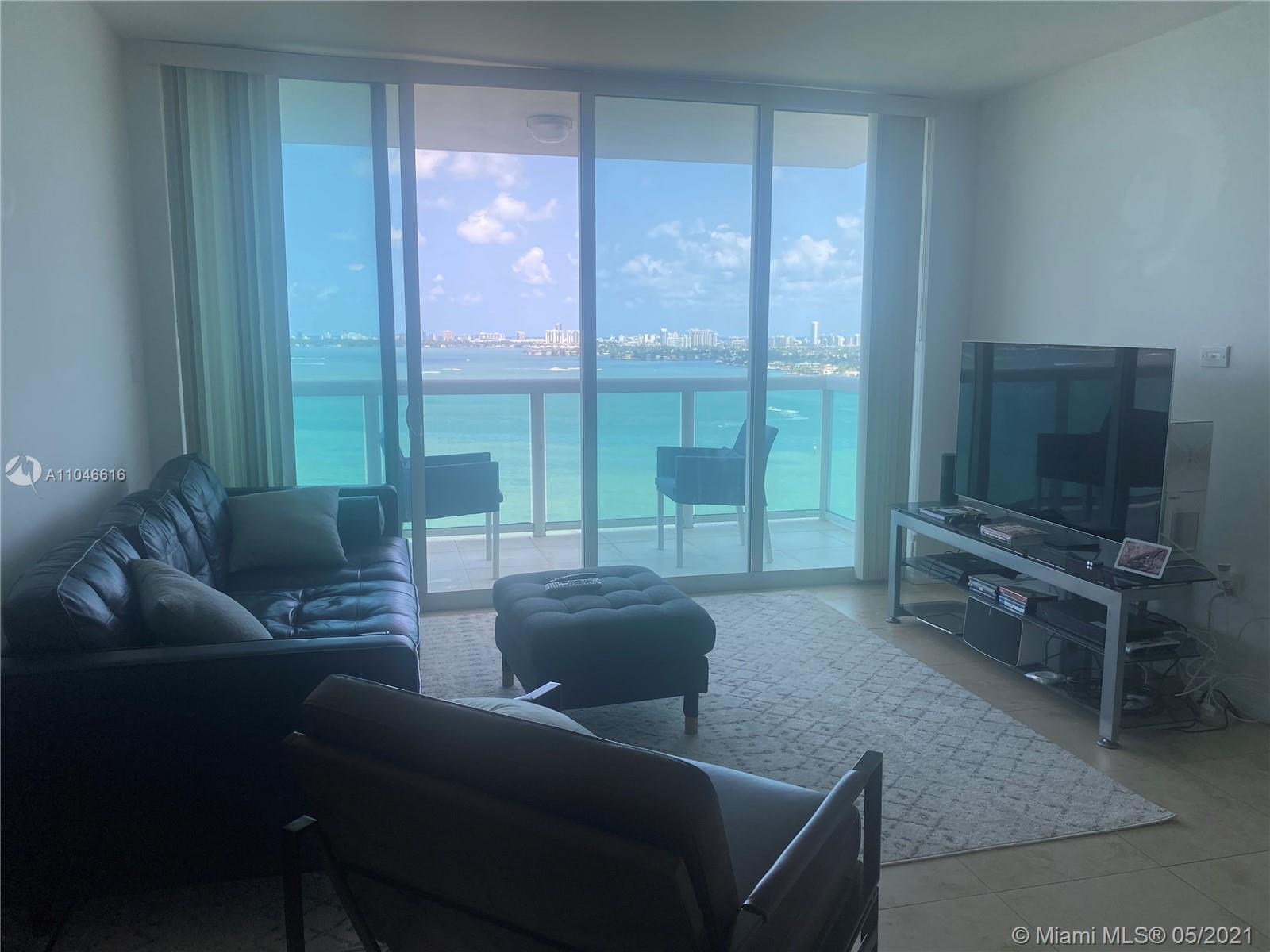 Bay front luxury building, direct unobstructed east view of the bay, ocean, park and port of Miami. Spacious 2 bedroom 2 bath convenient split plan and a view from every window. Includes wood cabinets & stainless steel appliances. Unit comes with a storage area. Washer and dryer in the unit. Pool, spa and gym. Great location, close to the beaches, downtown and airport.