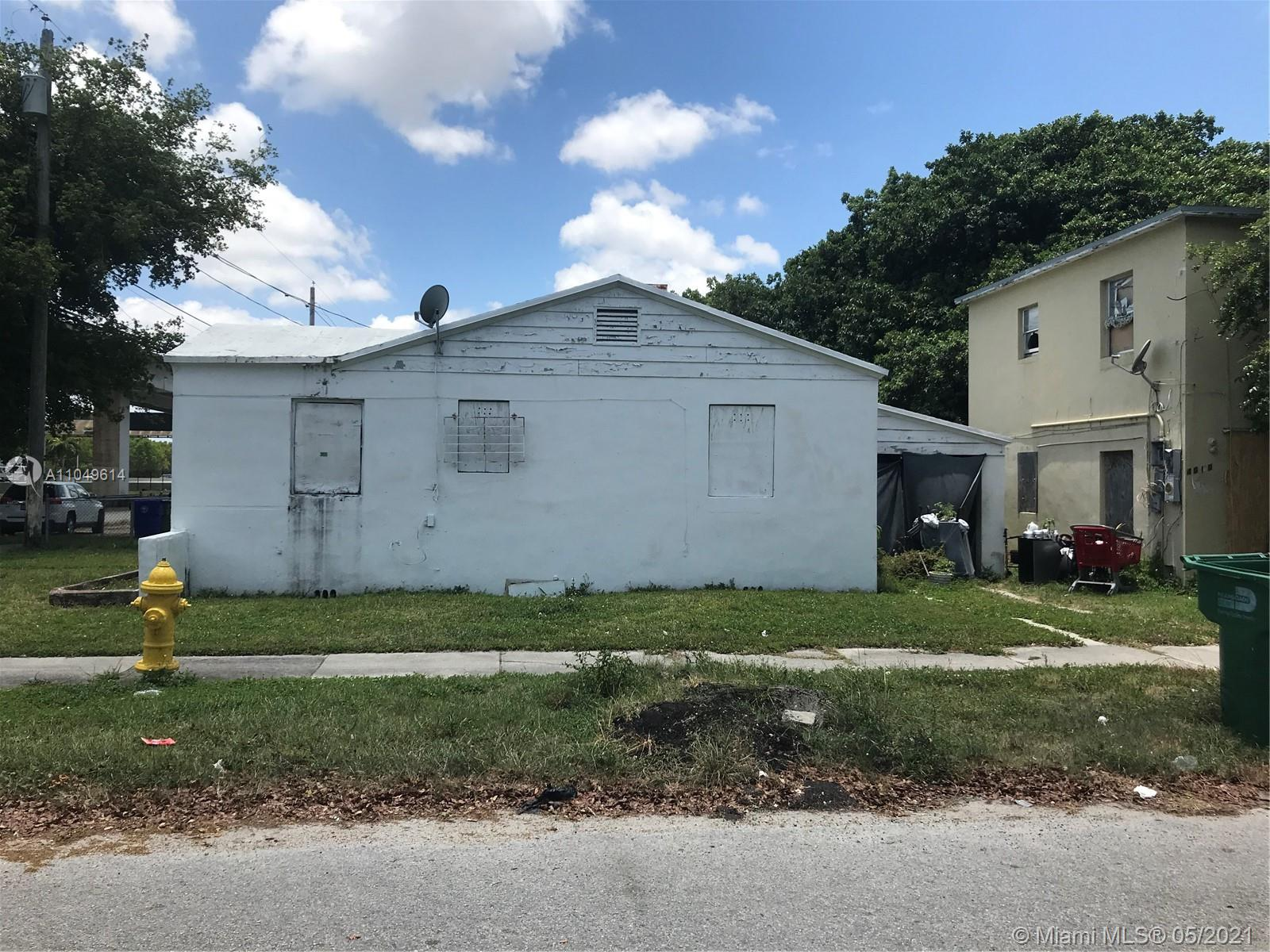 1301 NW 40th St  For Sale A11049614, FL