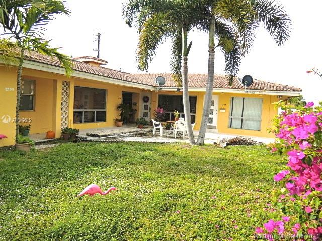 In desirable Coral Ridge subdivision, nice One Bedroom/One bath with parking and private patio. Ideally located near the Beach, Supermarkets, Restaurants, Coral Ridge Mall, Golf course and much more. Don't miss this opportunity