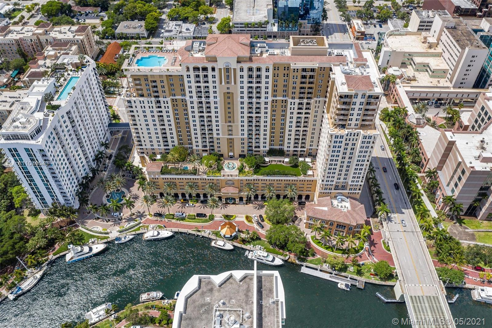 Beautiful 2 bed/1 bath condo located downtown Fort Lauderdale on the New River. This unit has tile flooring and new carpet in the master bedroom, a beautiful kitchen with stainless steel appliances, impact glass windows, a split bedroom floor plan, an open balcony, and a washer/dryer. In addition, this premier downtown condo building has 5-star amenities including: Rooftop pool, indoor Basketball & Racquetball Courts, BBQ Grills, Steam Room & Saunas, Hot tub, Large 2-story Fitness Center, 24hr security and front desk, all walking distance to world renown Las Olas Boulevard. 2 minutes to the beach. Enjoy the amazing city lifestyle with fine dining, shops, nightlife, and much more!