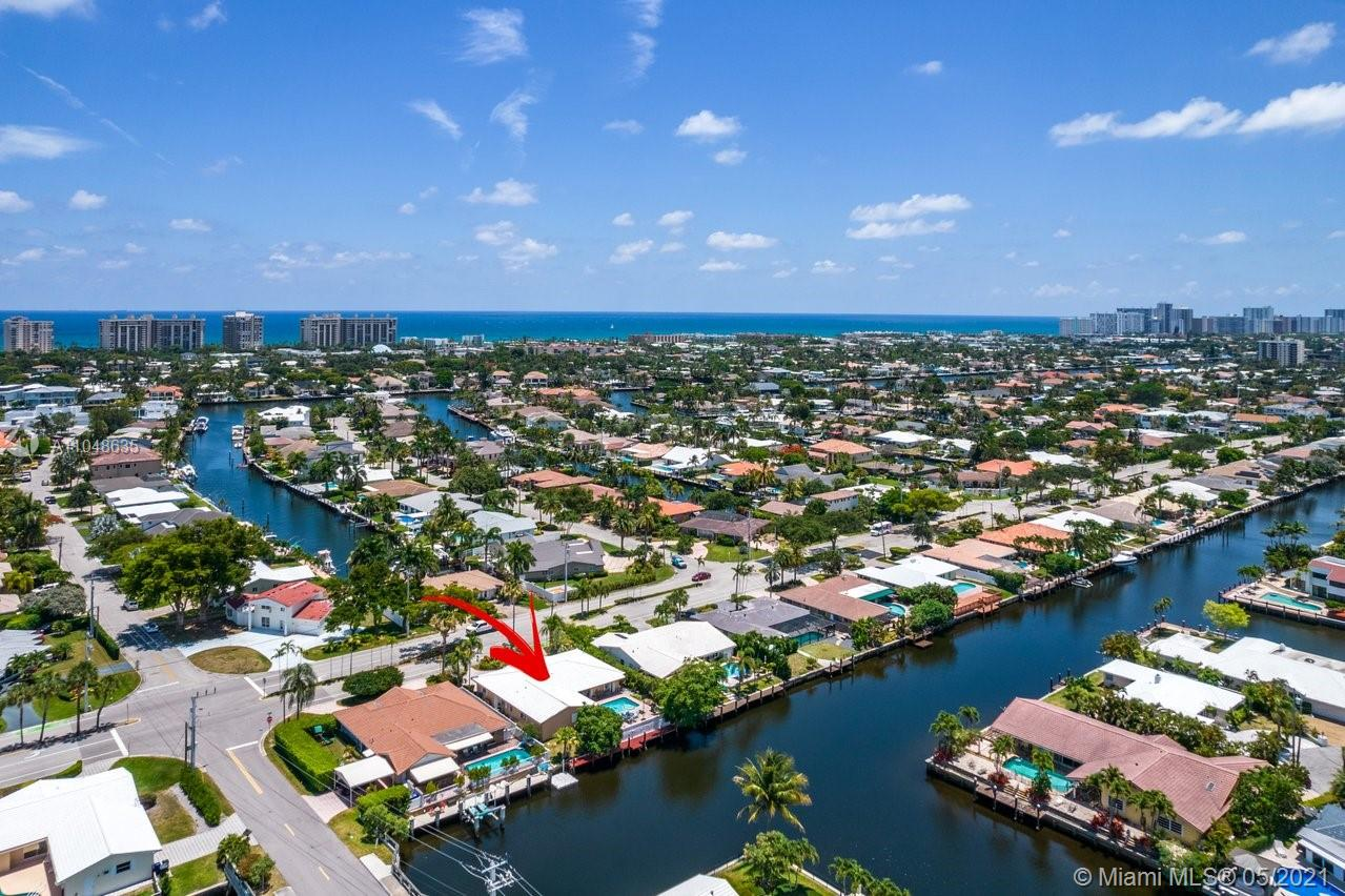5831  Bayview Dr  For Sale A11048635, FL