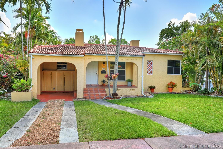 829  Granada Groves Ct  For Sale A11048492, FL