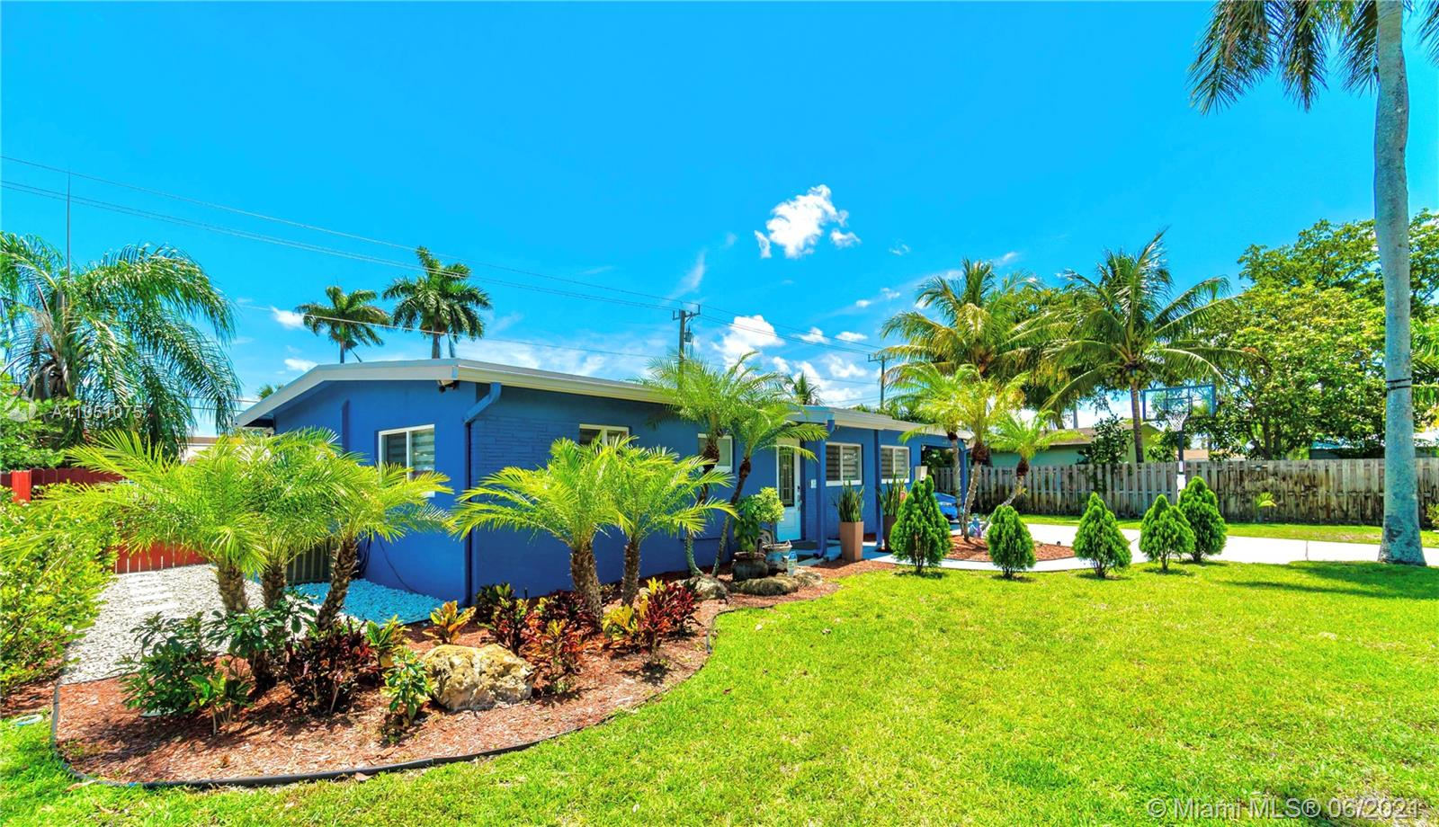 3380 SW 18th St  For Sale A11051075, FL