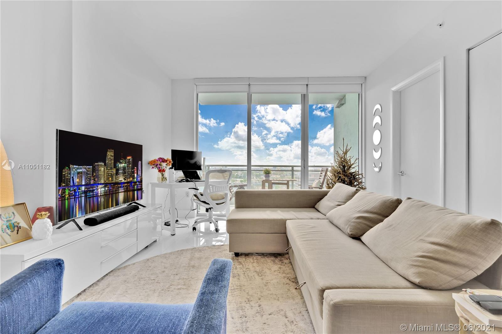 92 SW 3rd St #1909 For Sale A11051182, FL