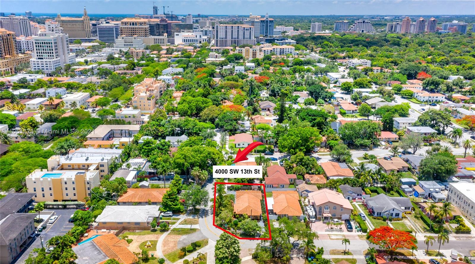 4000 SW 13th St  For Sale A11051773, FL
