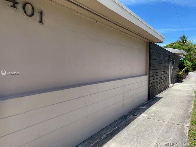 401 NW 13th St  For Sale A11052047, FL