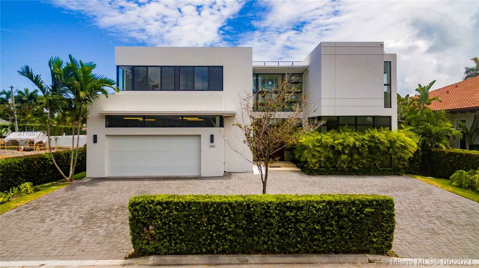 New Construction (2016) w/ leading edge architecture. Beautiful  home situated in exclusive Bay Harbor Islands. 2-story residence features 6bd/6.5ba + study w/ over 5,300 sf under a/c & 6,000 sf gross space. Magnificent Double hight ceilings, spectacular  kitchen, top of the line appliances, exquisite finishes, open & spacious living & dining rm. Covered patio, pool, Jacuzzi + rooftop terrace. Has an elevator.