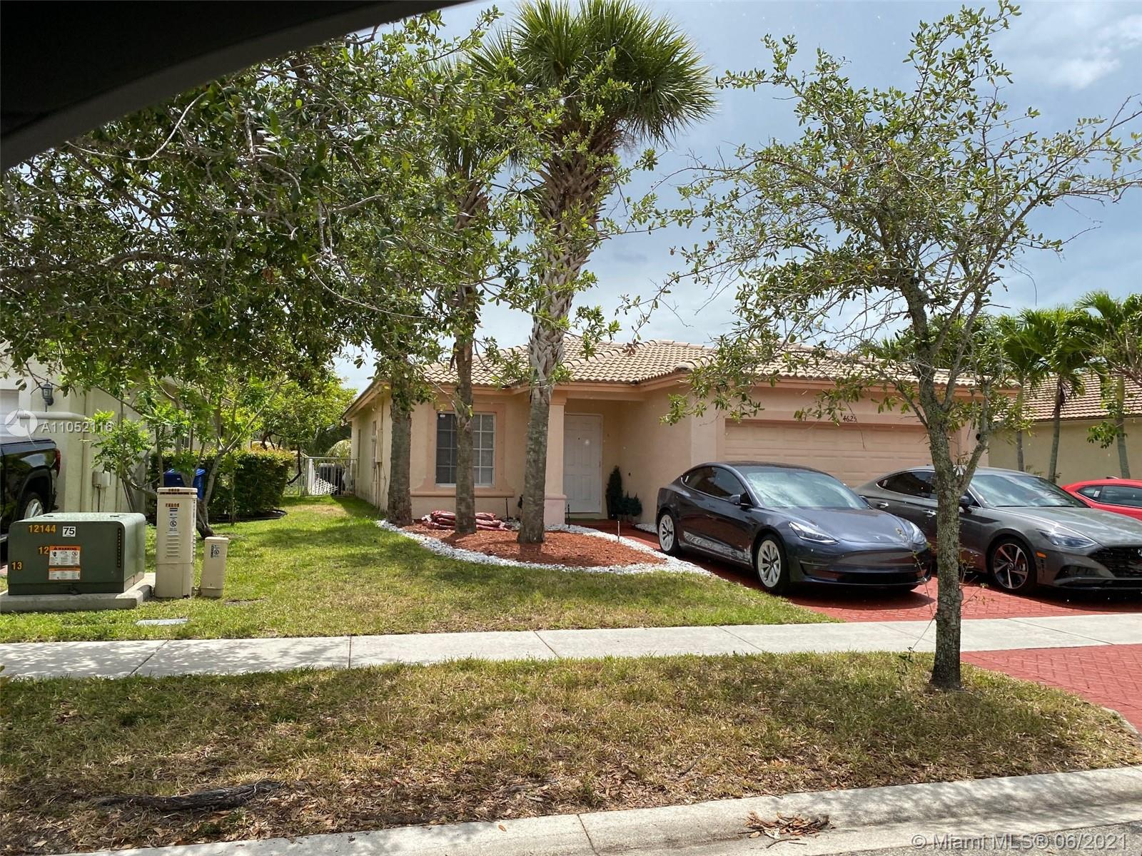 4625 SW 125th Ln  For Sale A11052116, FL