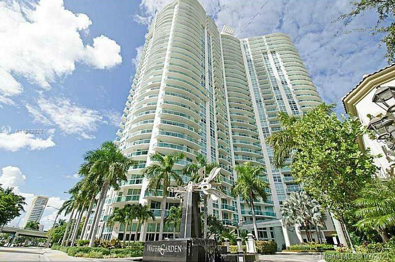 Gorgeous WaterGarden unit, 2B/2B Split floor plan. 5 Star amenities include Movie Theatre, Business center, Spa with Massages, Gym, Jacuzzi, Sauna, Pool, BBQ area,24 hr Valet and Security. Walk to Las Olas, minutes to the Beach!