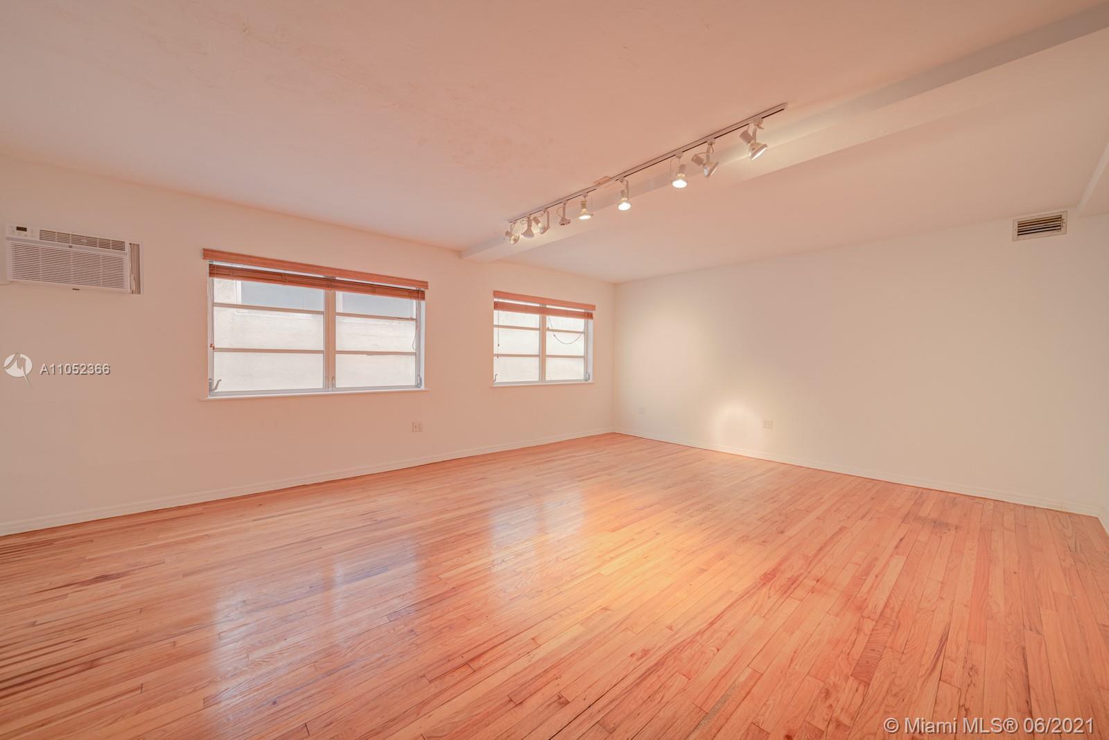 1200  Washington Ave  For Sale A11052366, FL