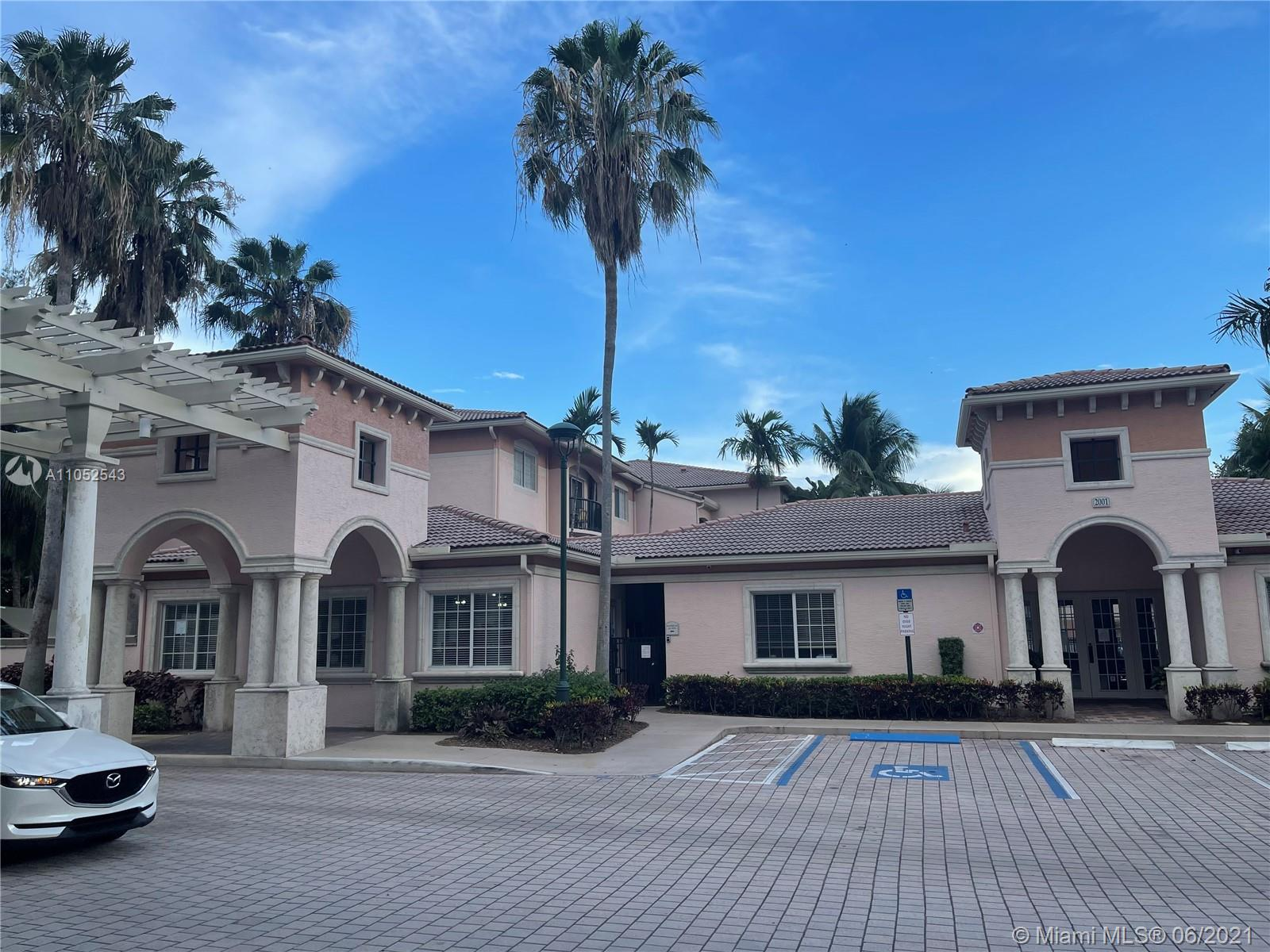 Fabulous one bedroom, one bathroom condo unit in the private community of Village East located in Ft. Lauderdale. Newly remodeled unit has new flooring, new appliances, new AC, and new kitchen and bathroom cabinets. The unit has two walk-in closets, a linen closet, washer and dryer room, and spacious balcony. Village East community offers great amenities including a pool area, gym, bbq area, business center and car wash area. Great location, walking distance from local supermarket and shopping center and just 6 miles from Ft. Lauderdale beach. New fridge is in backorder and will be delivered in July.