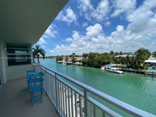 9500 W Bay Harbor Dr #4D For Sale A11049440, FL