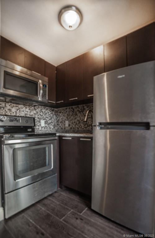 500 SW 9th Ave #5 For Sale A11052725, FL