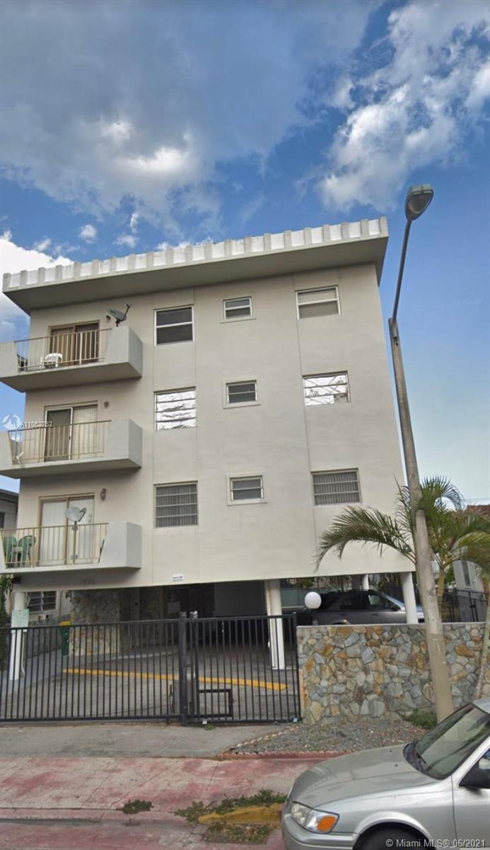 7925  Carlyle Ave #302 For Sale A11052752, FL