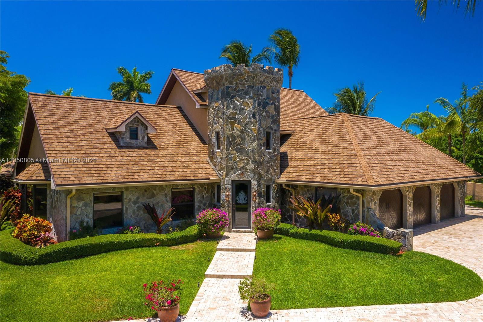 8445 SW 182nd Ter  For Sale A11050805, FL