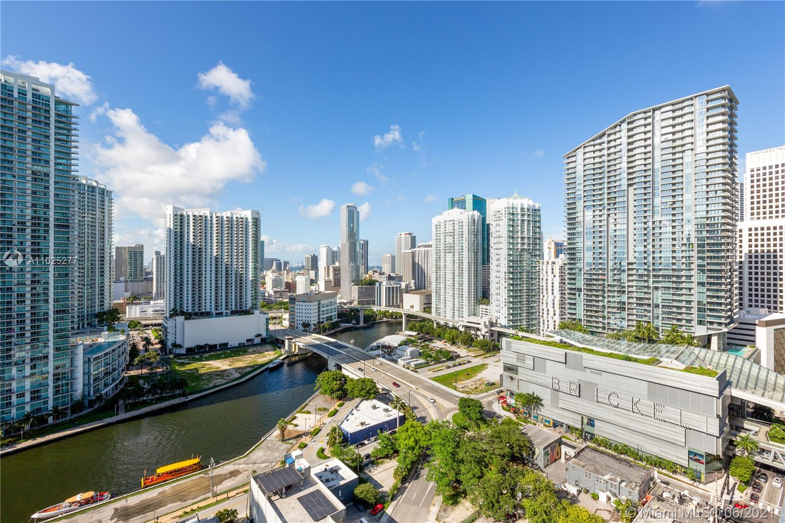 88 SW 7th St #2012 For Sale A11025277, FL