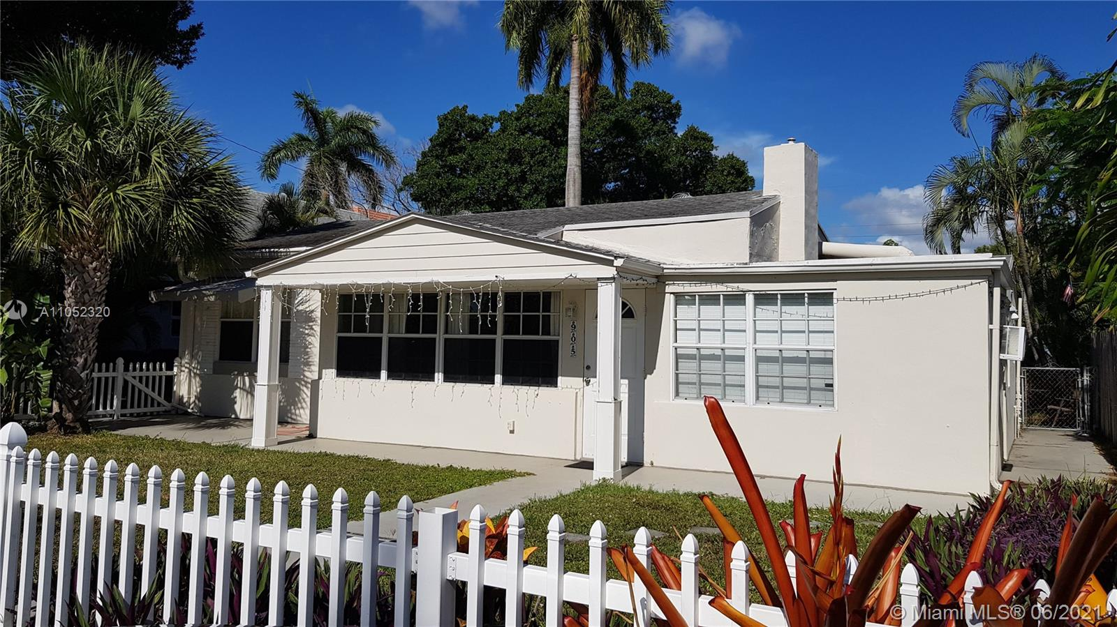 905 SW 10th Ter  For Sale A11052320, FL