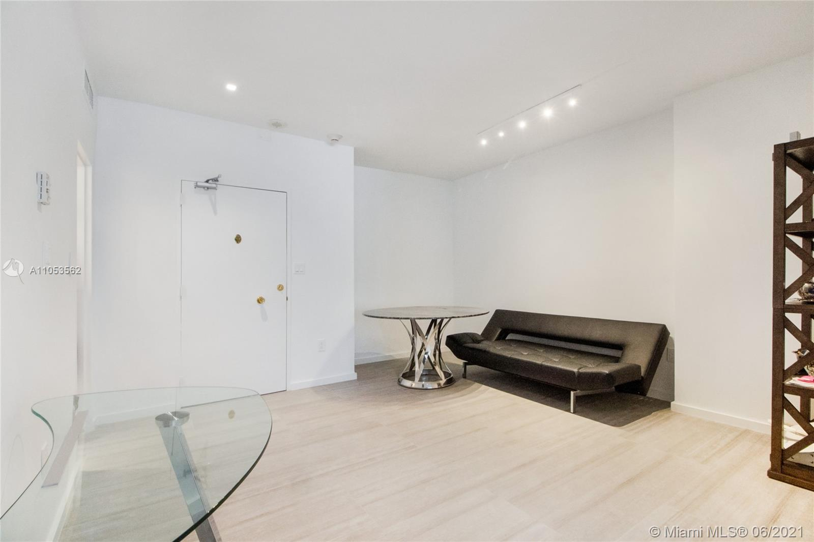 5255  Collins Ave #7C For Sale A11053562, FL