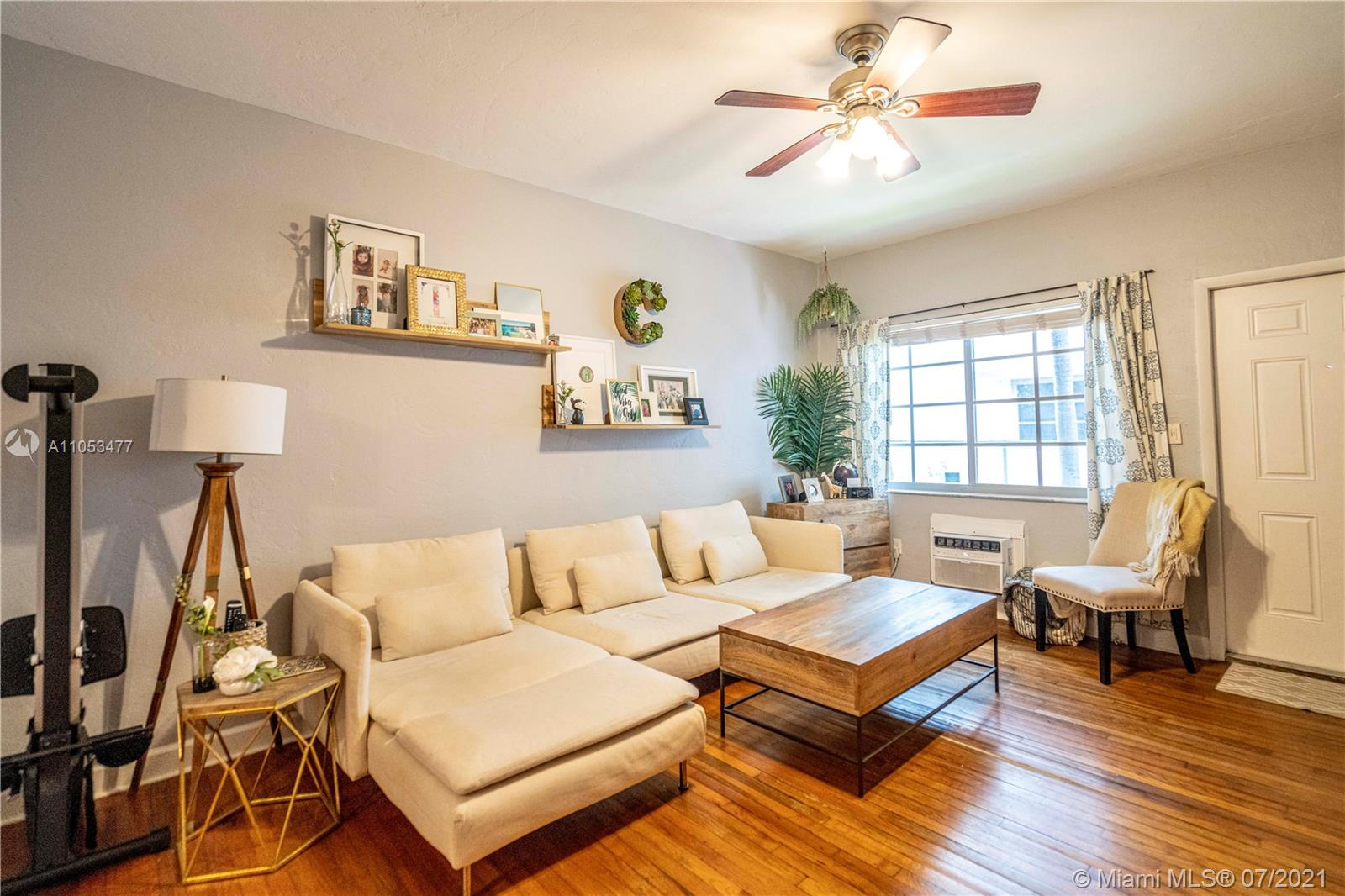 1561  Lenox Ave #6 For Sale A11053477, FL