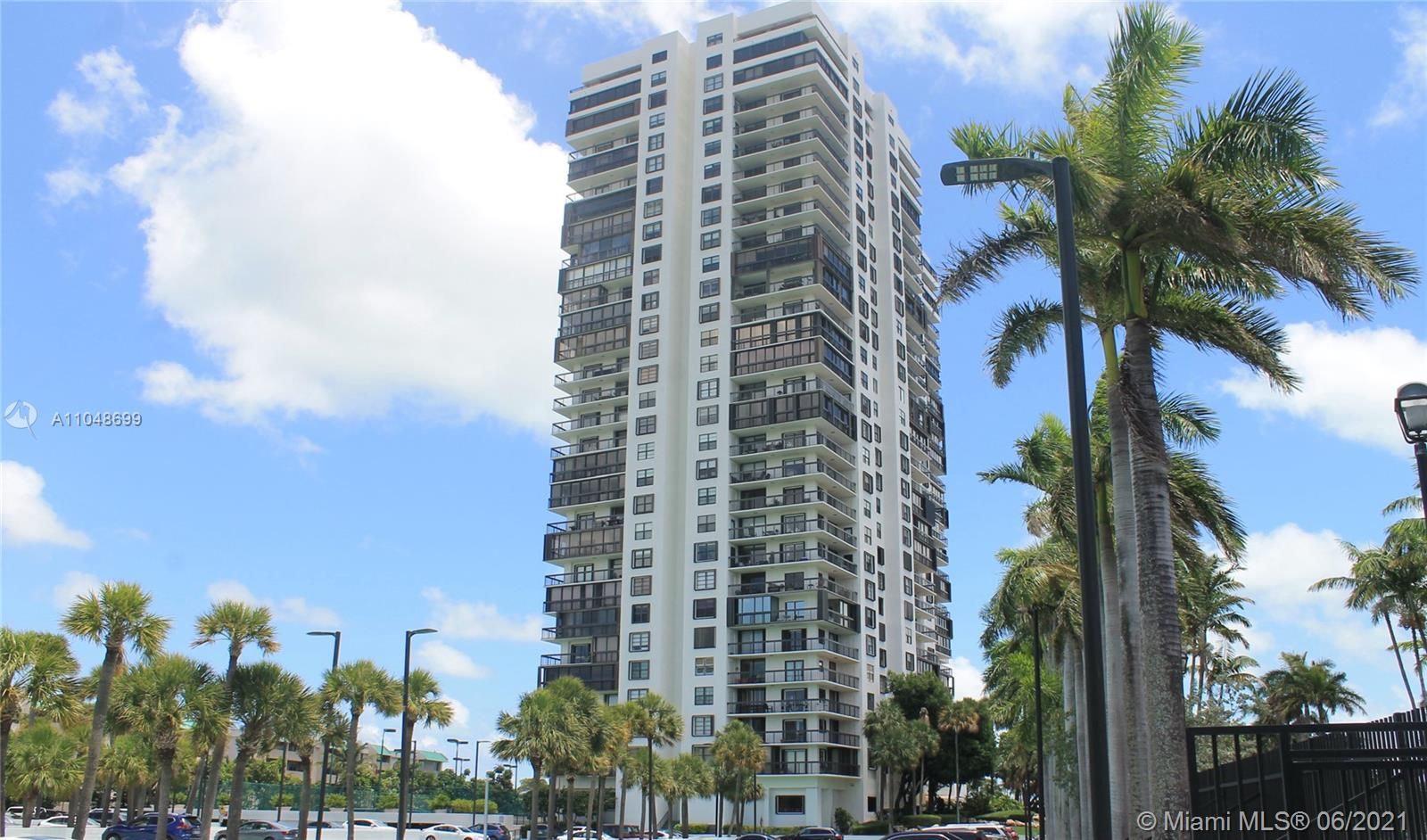 This approx. 1800 Sqft. 2 Bed/2 Bath unit is located in the quiet part of Brickell, easy access to US-1, I-95, & Old Cutler Rd. Move-In ready, this unit features breathtaking unobstructed views of Biscayne Bay and the city of Miami, Large Bedrooms, Walk-in Closets, Marble Floors, Walk-in Laundry Room and more. Brickell Bay Club is a luxurious full-service building close to the best restaurants, schools, and beaches. Enjoy the amenities including Pool, Gym, Spa, Dog Park, Tennis Courts, Racket Ball Courts, Clubroom, Ballroom, Kids Playroom, Convenience Store, 24/7 Valet, & 24/7 Security.