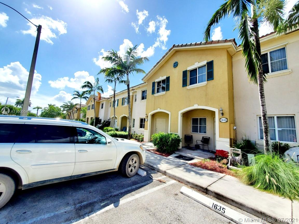 Wonderful Large 1,509' SFT  2 Floor 3 bd / 2 bath Townhouse with patio Lake view. Assigned parking. *Low HOA* covers roof - exteriors. Near turnpike to entrance to the Florida Keys.  Located in Gated community of Venetia Grove  *Easy showing: please only pre-qualified ready & willing buyer/s Will be freshly painted. All appliances in good working condition, ready for your AS-IS offer with buyer's right to inspect.