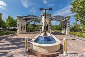258  Poinciana Dr #606 For Sale A11055116, FL
