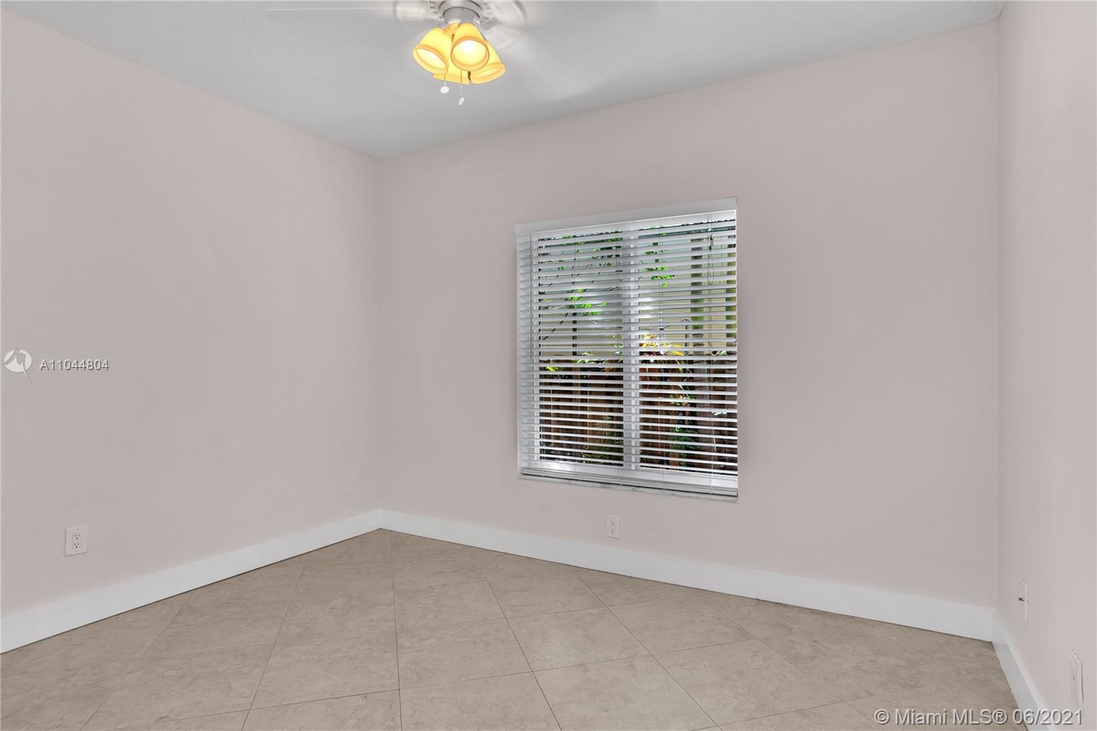 1633 Tyler St, Hollywood, Florida image 42