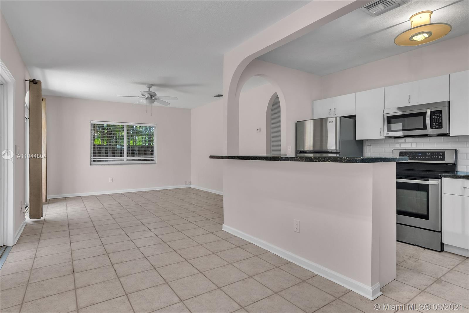 1633 Tyler St, Hollywood, Florida image 38