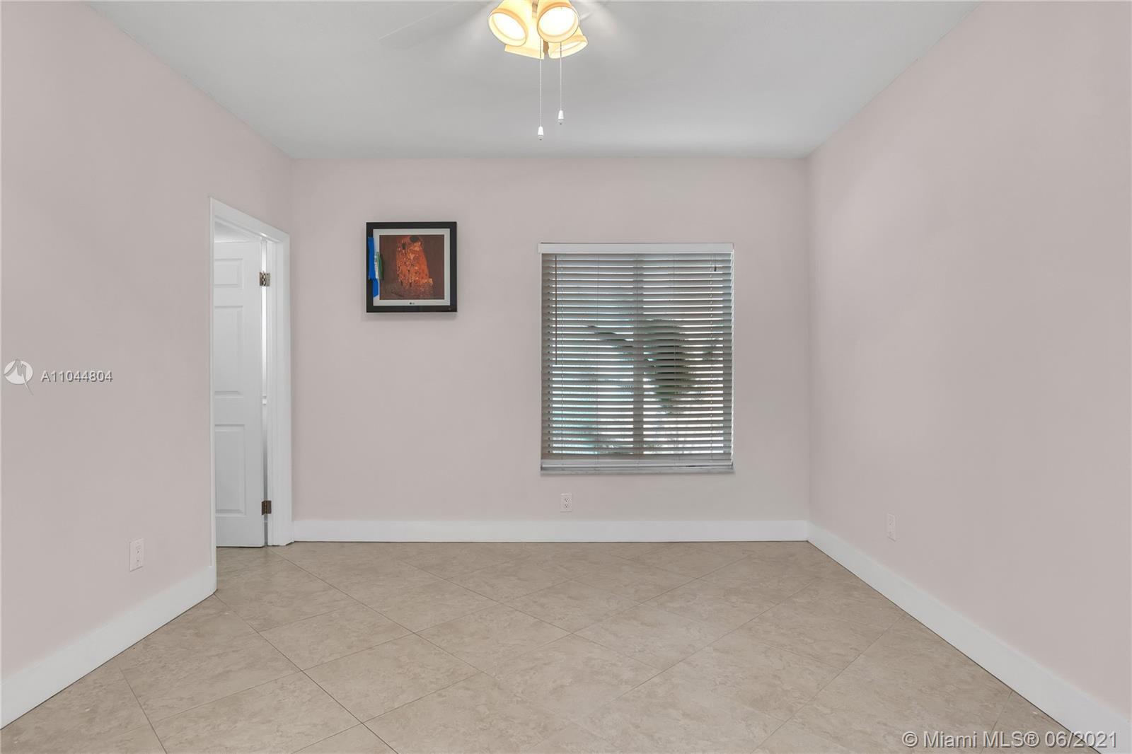 1633 Tyler St, Hollywood, Florida image 29